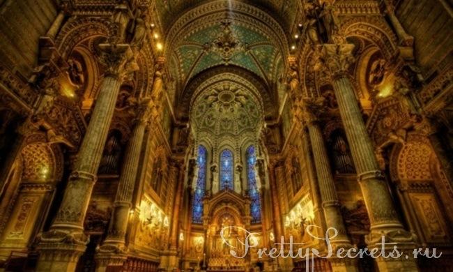 К чему снится церковь изнутри