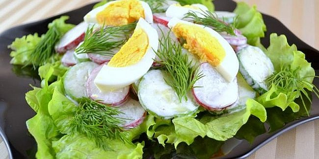 Салат огурцы редиска зелень